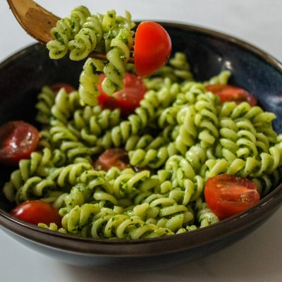 vegan spinach pesto pasta