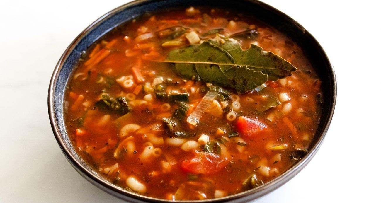 Easy vegan minestrone soup