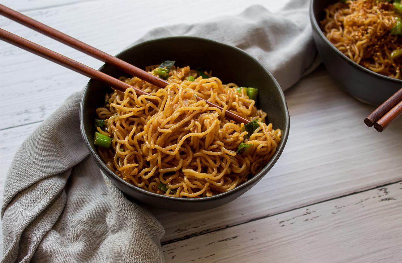 Vegan garlic sesame noodles