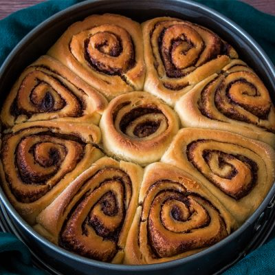 easy vegan cinnamon rolls