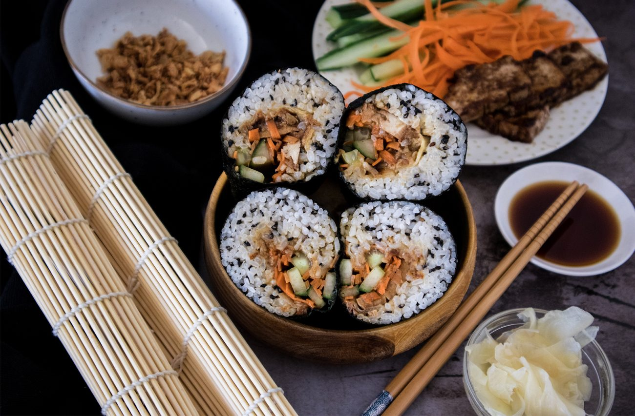Vegan sushi burrito (teriyaki tofu)