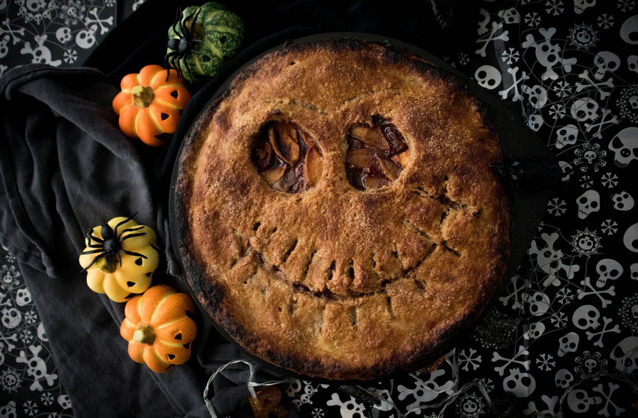 Vegan spooky Halloween apple pie