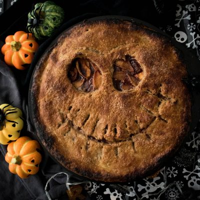 vegan halloween apple pie
