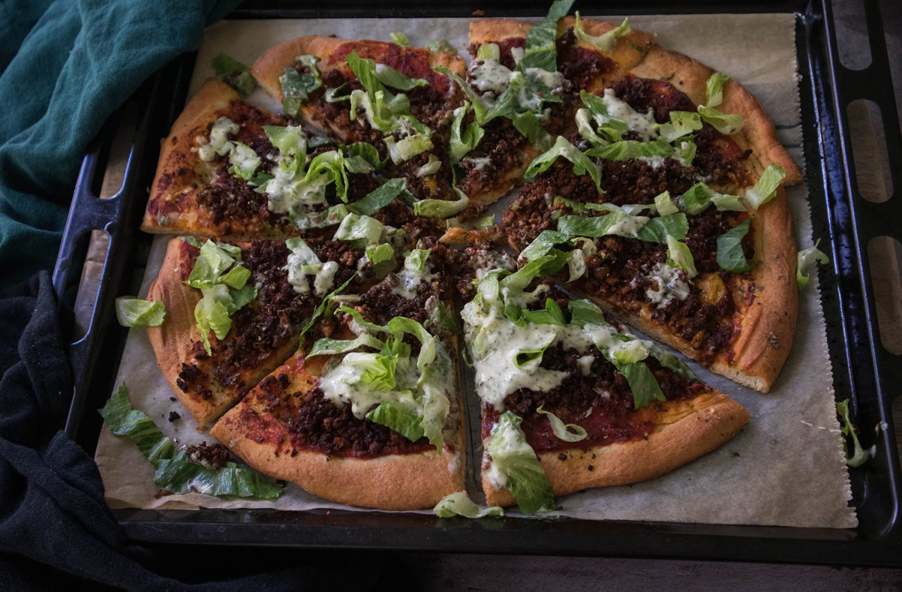 Vegan taco pizza