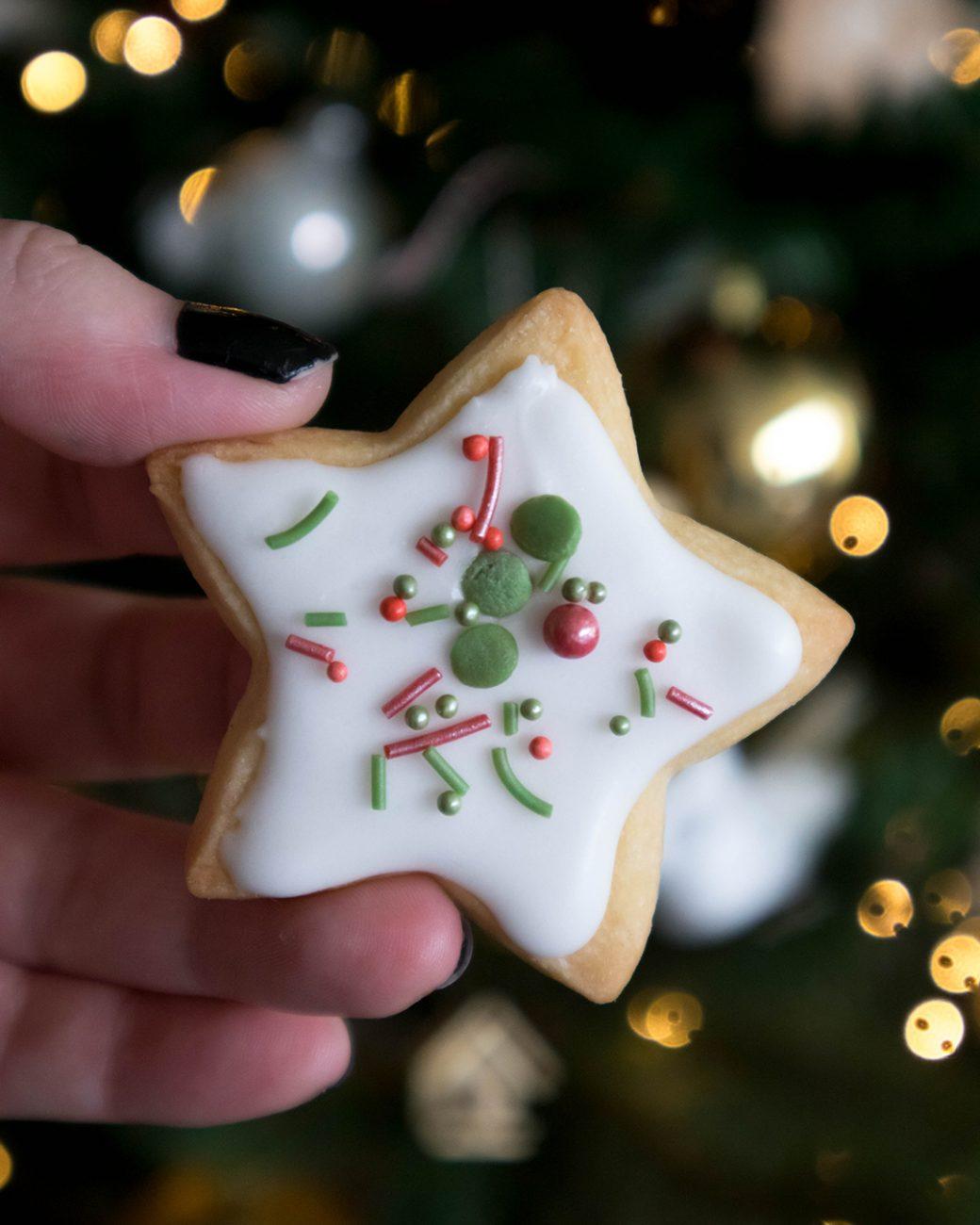Vegan Christmas sugar cookies with royal icing