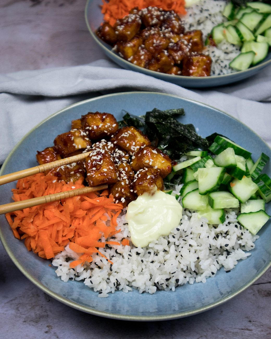 Vegan sushi bowl + sticky tofu